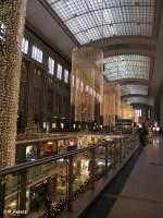 Links und Rechts der Strecke/53372/noch-einmal-die-geschmueckte-hauptbahnhof-promenade Noch einmal die geschmückte Hauptbahnhof Promenade in Leipzig zu Weihnachten