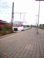 Regio Bahn/29073/1007-2-faehrt-mit-der-s28-kaarst 1007-2 fährt mit der S28 Kaarst See in Neuss HBF ein. 01.08.06